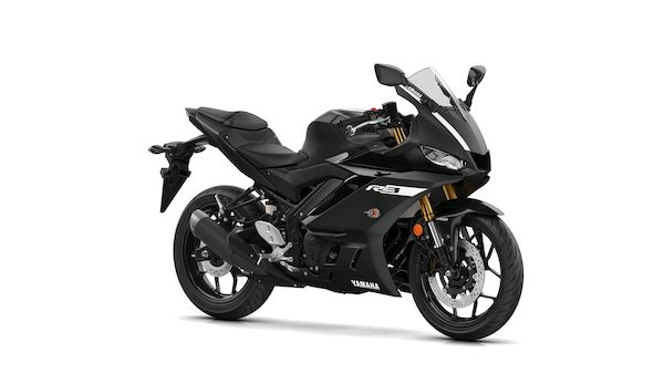 2019-Yamaha-YZF-R320-EU-Power_Black-Studio-001-03_Mobile.jpg
